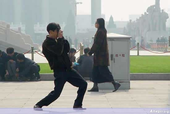 006 - chinese man's photo shooting style