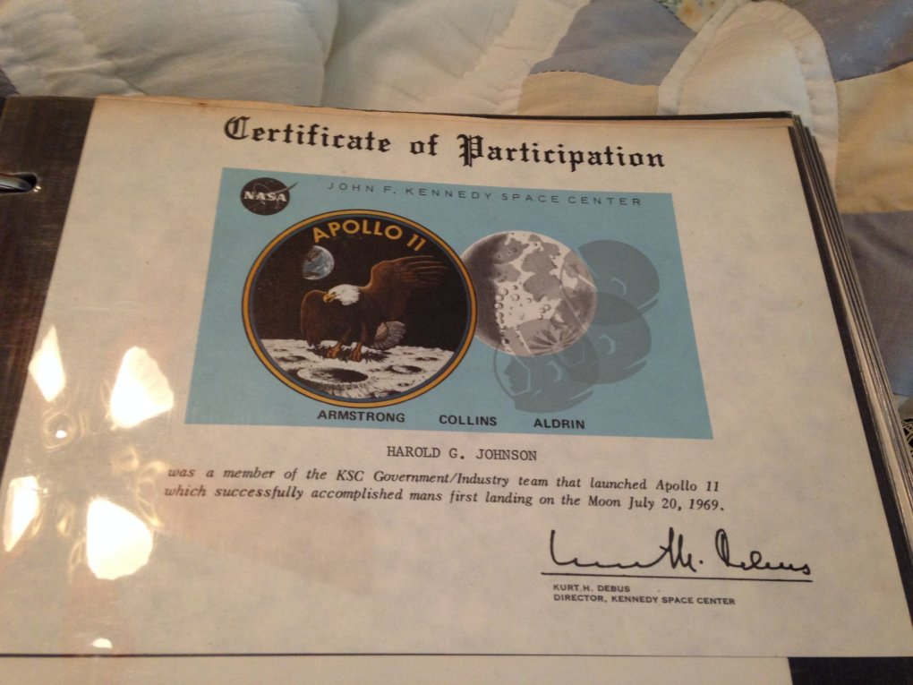 06 cszsmzt - guy went through his grandfathers stuff and stumbled upon a binder with all of his nasa stuff