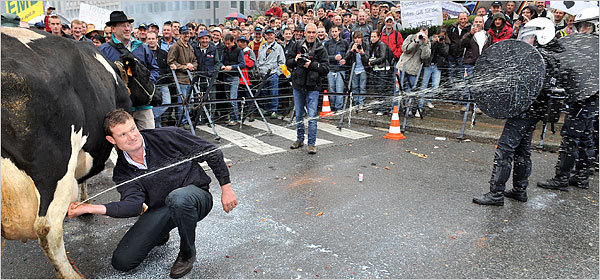 0euxa - best riot picture ever !!