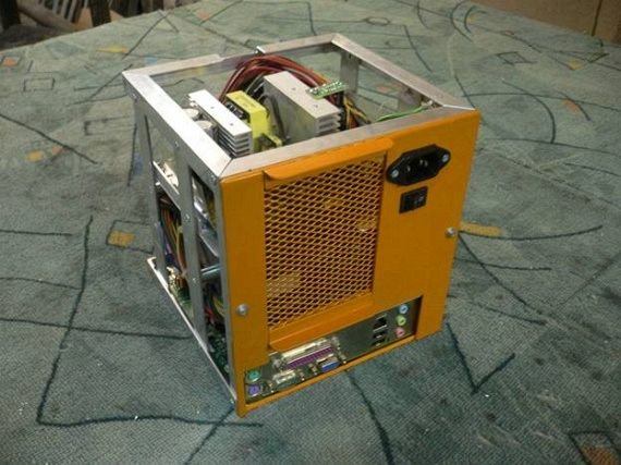 100 - russian wall-e case mod