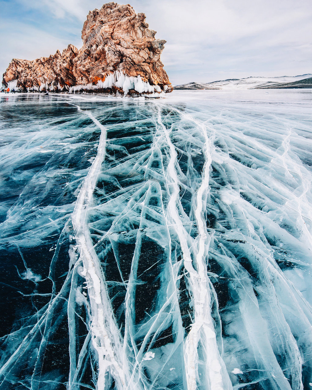 1500 6328061fed221a3f64778cc2d3fc4ad0 - deepest lake on earth: frozen baikal in russia