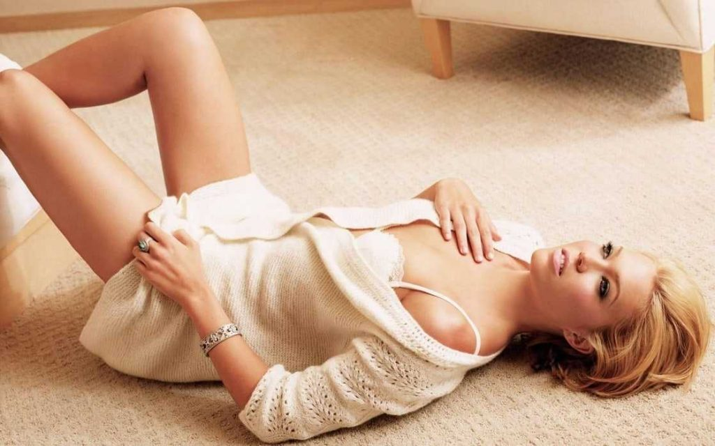 This image has an empty alt attribute; its file name is Mandy-Moore-sexy-pics-2-2-1024x640.jpeg