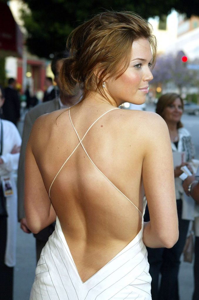 This image has an empty alt attribute; its file name is mandy-moore-back-678x1024.jpg