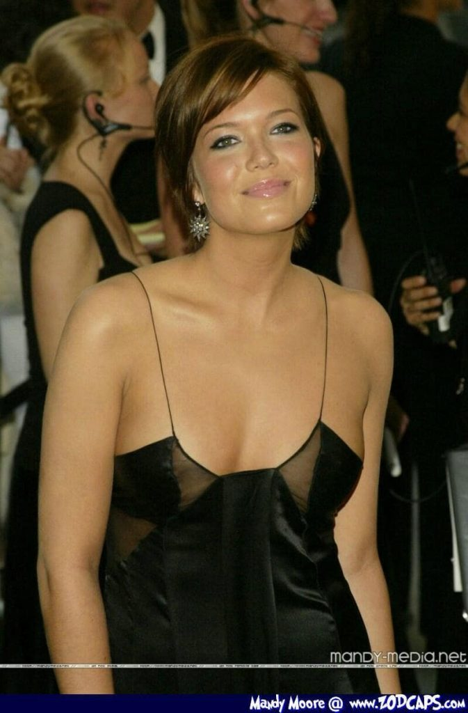 This image has an empty alt attribute; its file name is mandy-moore-cleavage-673x1024.jpg