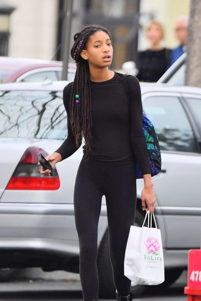 46 Sexy and Hot Willow Smith Pictures - Bikini, Ass, Boobs