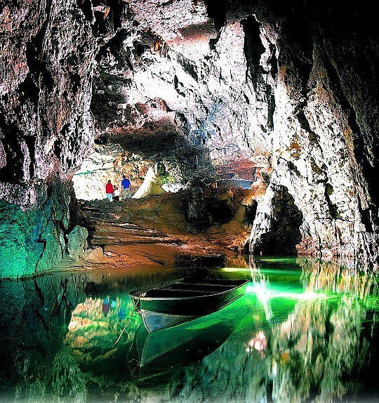 2373817100103830173s600x600q85 - incredible underground lakes and rivers