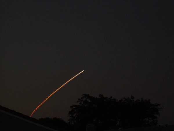252uy - space shuttle take off - photos by twitter users