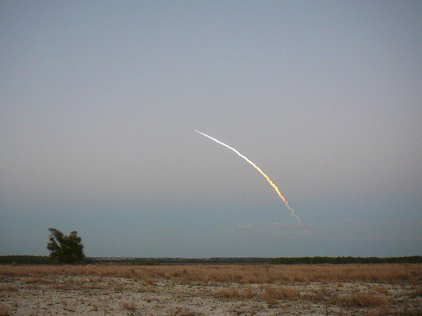 256tm - space shuttle take off - photos by twitter users
