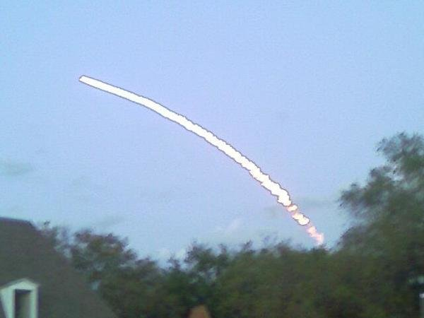 25byi - space shuttle take off - photos by twitter users