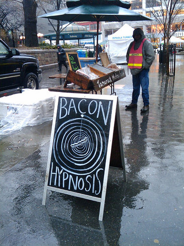 2922 - bacon hypnosis