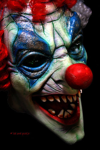 2947780741 8bb13172da - i wonder why people are scared of clowns
