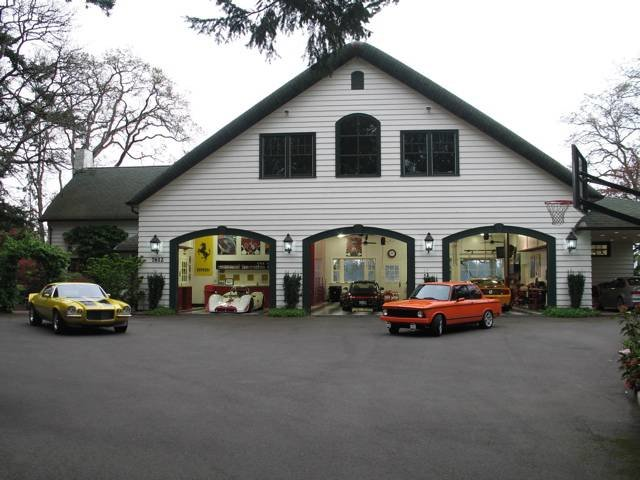 4033553835 a059ed8d0f o - world's most beautiful garages