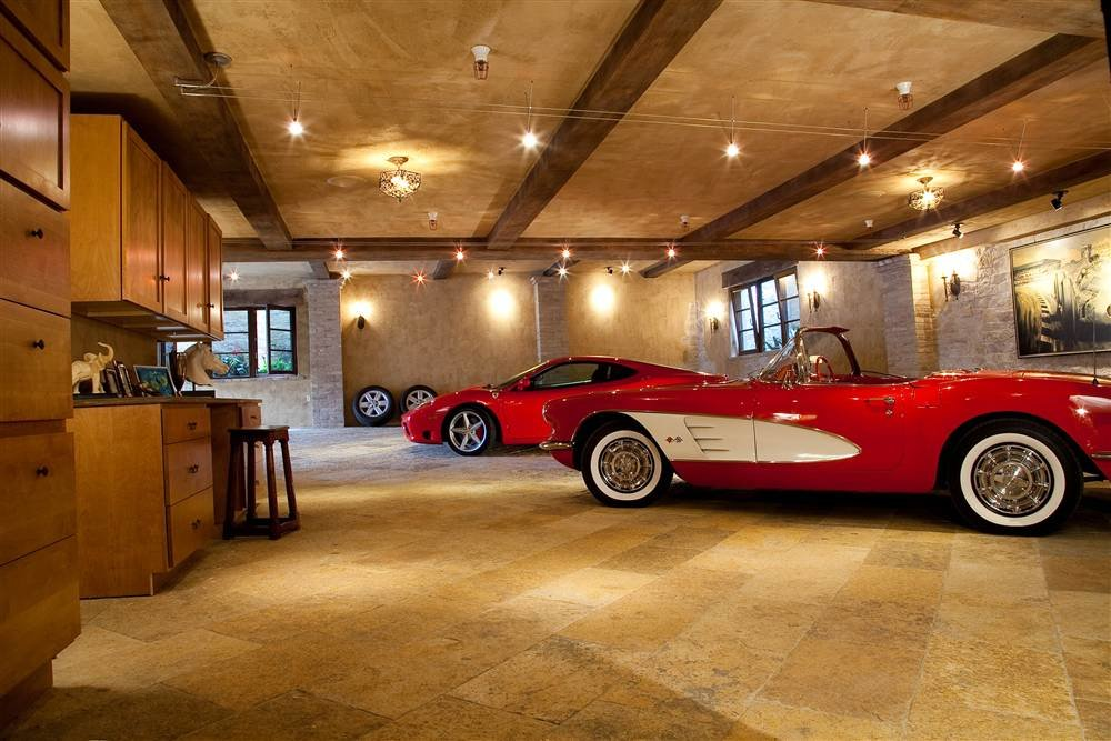4034307180 dd88774fb5 o - world's most beautiful garages