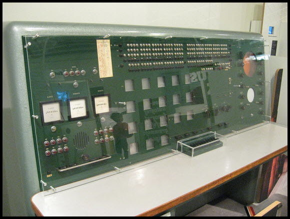 4175840133 6d3db37339 o - retro delight: gallery of early computers