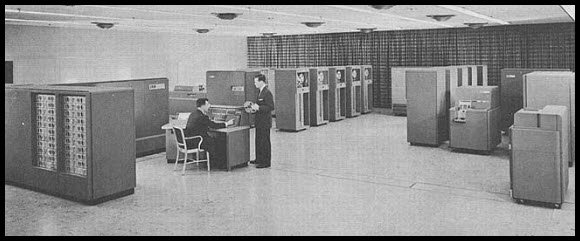 4176601036 95fb12ac18 o - retro delight: gallery of early computers