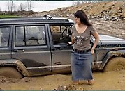 7 - 20 photos proving that women can't drive