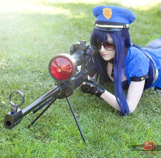 caitlyn - awesome league of legends cosplay