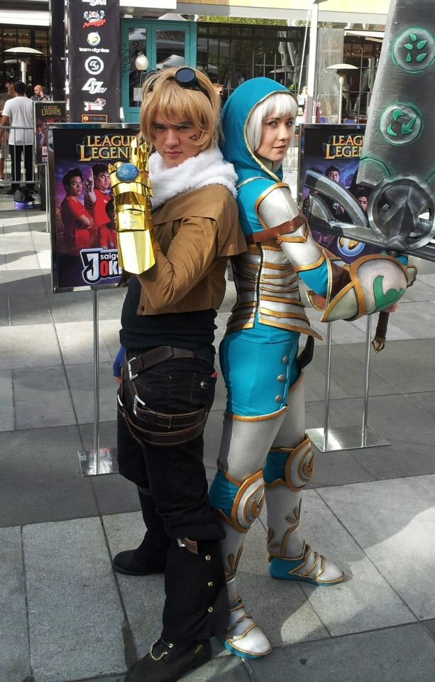 ezreal - ultimate league of legends cosplay collection