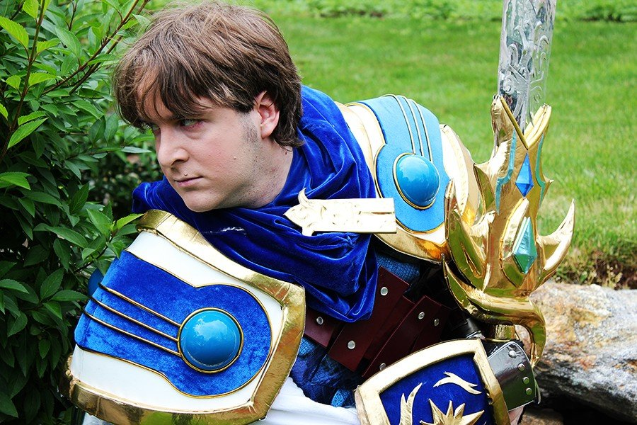 garen1 - ultimate league of legends cosplay collection