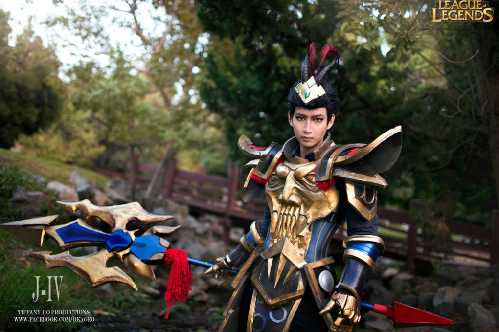 j4 - awesome league of legends cosplay