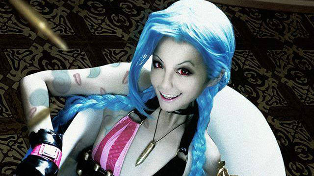 jinx - awesome league of legends cosplay