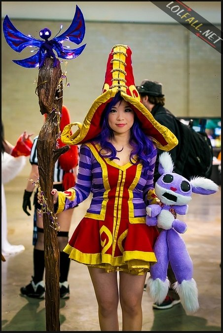 lulu1 - awesome league of legends cosplay