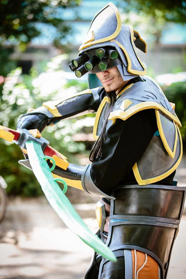 master yi - awesome league of legends cosplay