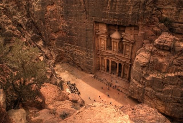 petra - places to visit before the world ends