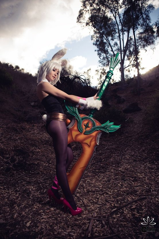 riven - ultimate league of legends cosplay collection