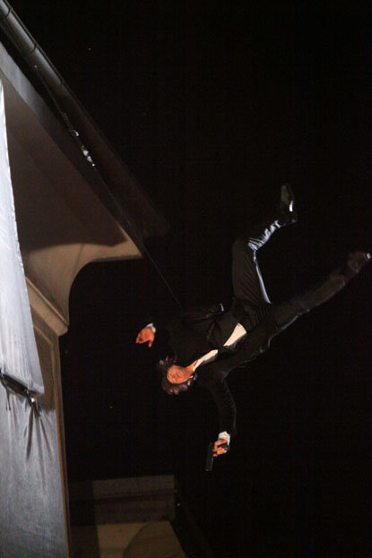 spl141282 053 - tom cruise does his own stunts for upcoming movie