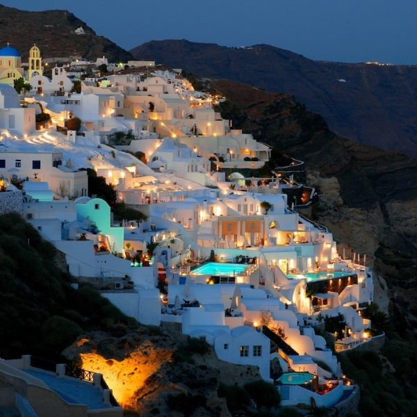 santorini - places to visit before the world ends
