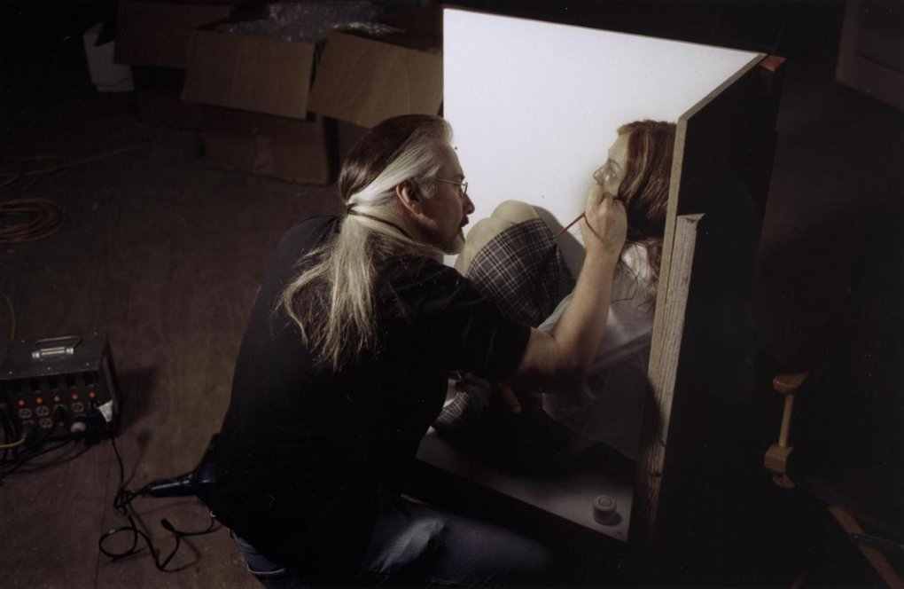 the ring - that's a cool set of old horror movie pics made behind the scenes