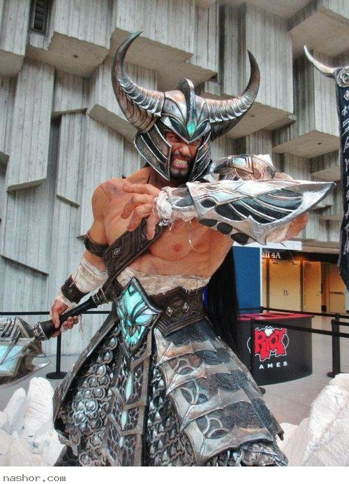 tryndamere - awesome league of legends cosplay