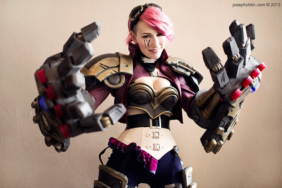 vi1 - awesome league of legends cosplay