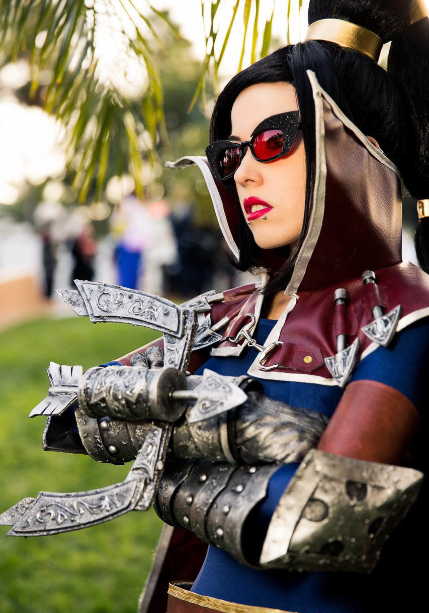 vayne - awesome league of legends cosplay
