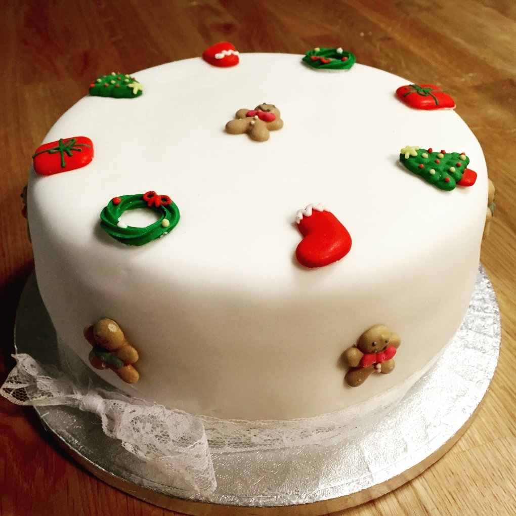 a cake - amazingly creative ways to gift money this christmas