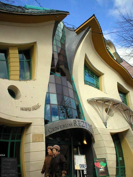 a173 crooked1 - world's most creative building
