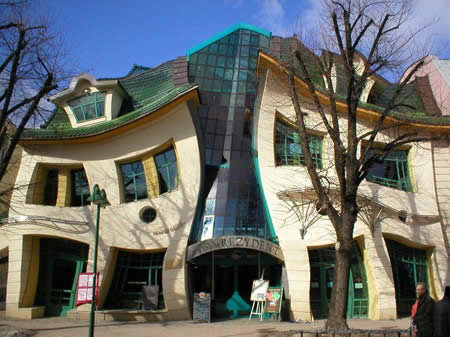 a173 crooked2 - world's most creative building