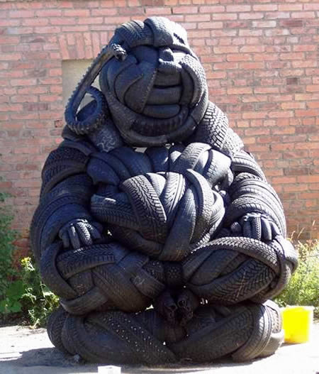 a409 t11 - sculptures made of tires