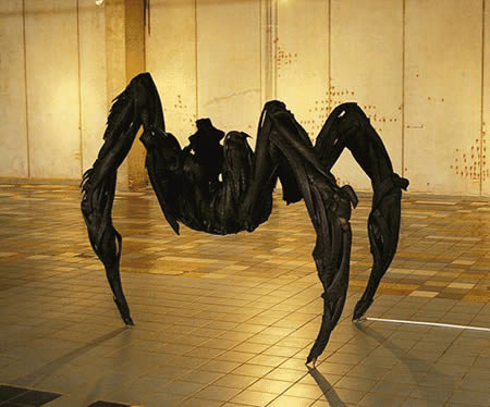 a409 t13 - sculptures made of tires