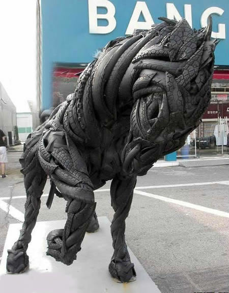 a409 t2 - sculptures made of tires