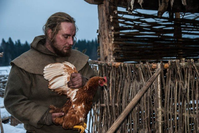 chicken - one simple day of a man who spends 6 months isolated from civilization
