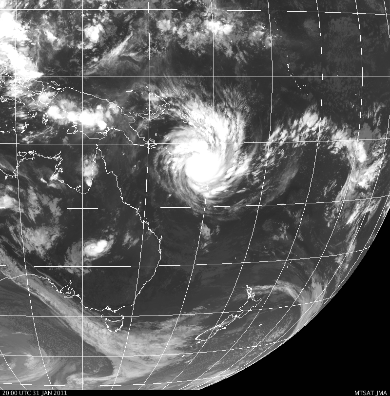 cyclone off east coast australia large would cover half usa