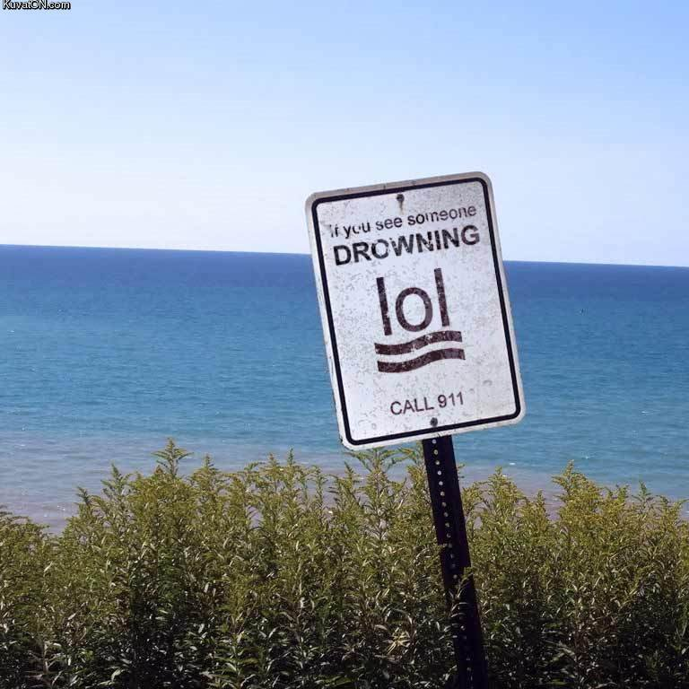 ddd634166e20e29c88e66d4654297 - beach sign unintentional humour