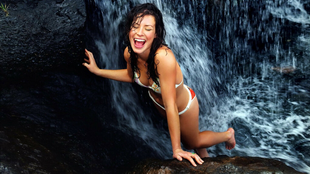 evangeline lilly happy