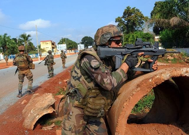 french army soldiers secure streets bangui central african republic