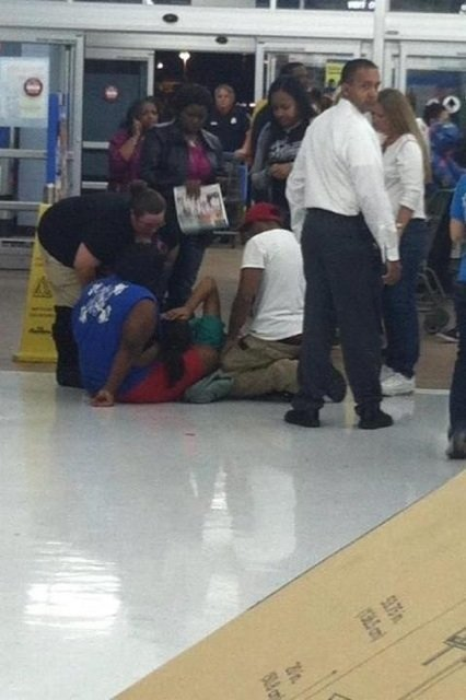 friend saw baby being born walmart black friday