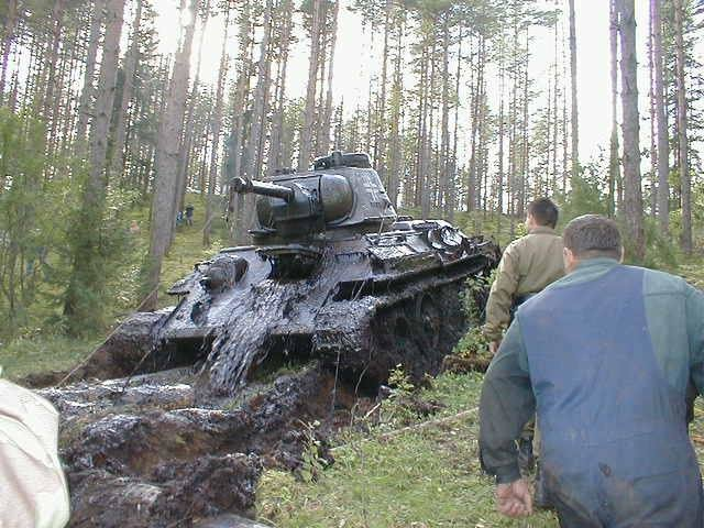 gl9ngkn - soviet ww2 tank with german markings pulled from a lake in estonia