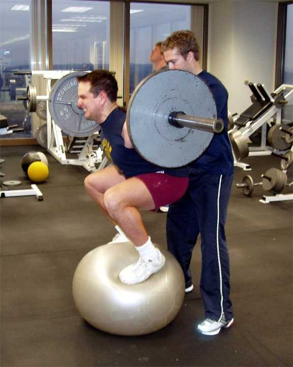 ho to do squats - don't try this at home