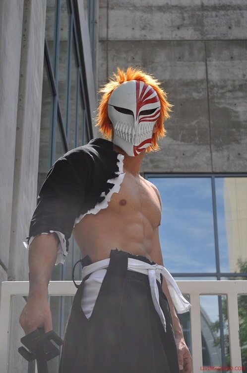 hollow ichigo cosplay